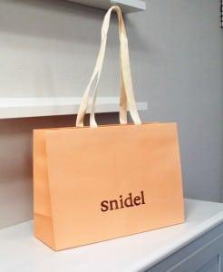 ヌードピンクがキュートなショップ袋