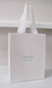 夏らしく爽やかなショップ袋