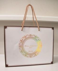 飾り罫をあしらったショップ袋