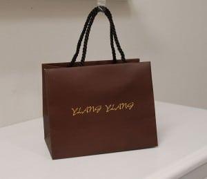 近頃、ブラウンの紙袋が大人気