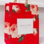 流行の花柄が美しい紙袋