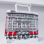 レトロな百貨店の紙袋