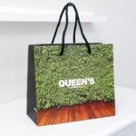自慢のデザインの紙袋をご紹介します!!を読む