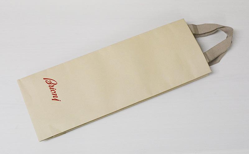シンプルでマニッシュな紙袋