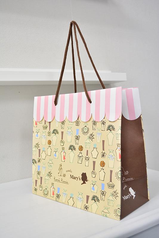カフェのようなキュートな紙袋