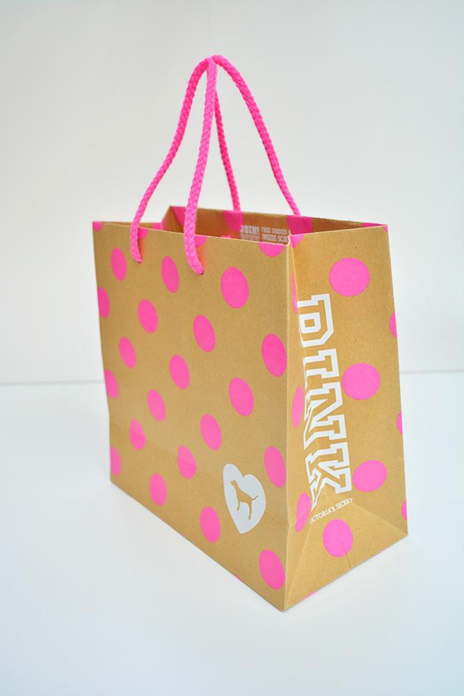 蛍光ピンクのドットと犬がかわいい海外ブランドの紙袋