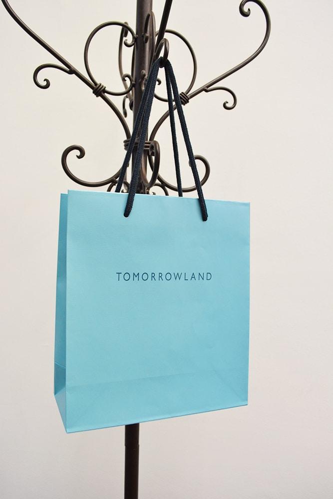 ブルー系でまとめられたお洒落な紙袋