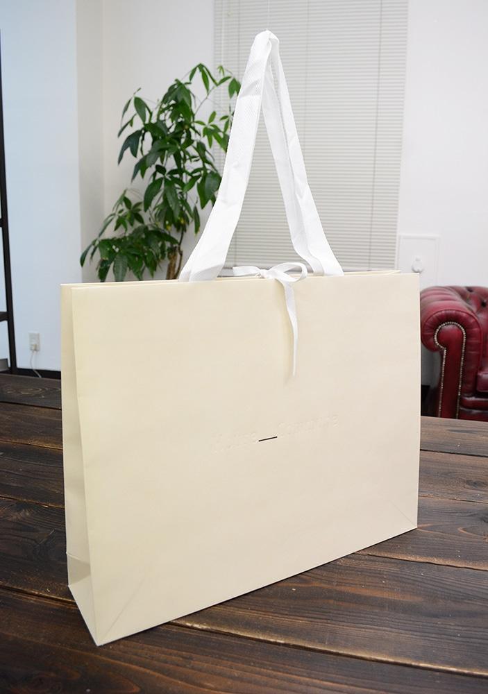 ロゴの一部だけ印刷!デザイン性の高い紙袋
