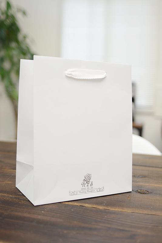 披露宴にも最適な紙袋「イージーペーパーバッグ」