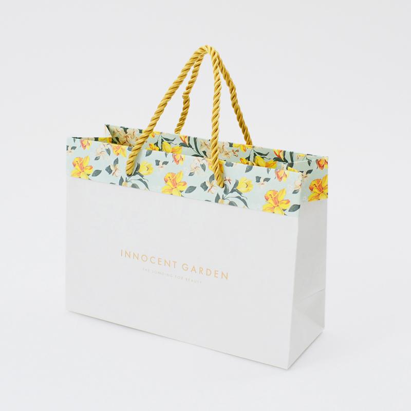 ヴィンテージの花柄を生かした特殊製袋の紙袋