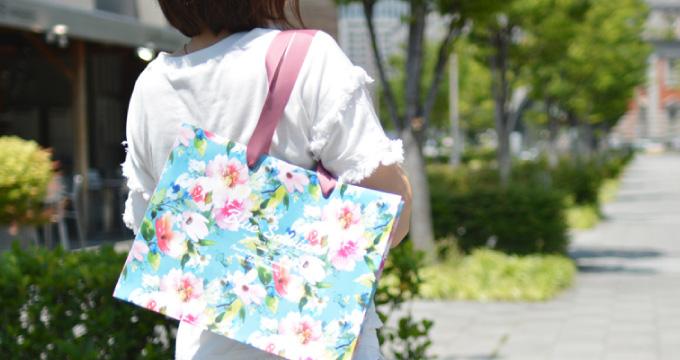 目指すのは、お気に入りのバッグみたいな紙袋! 素敵なデザインのオリジナル紙袋を作るには?を読む
