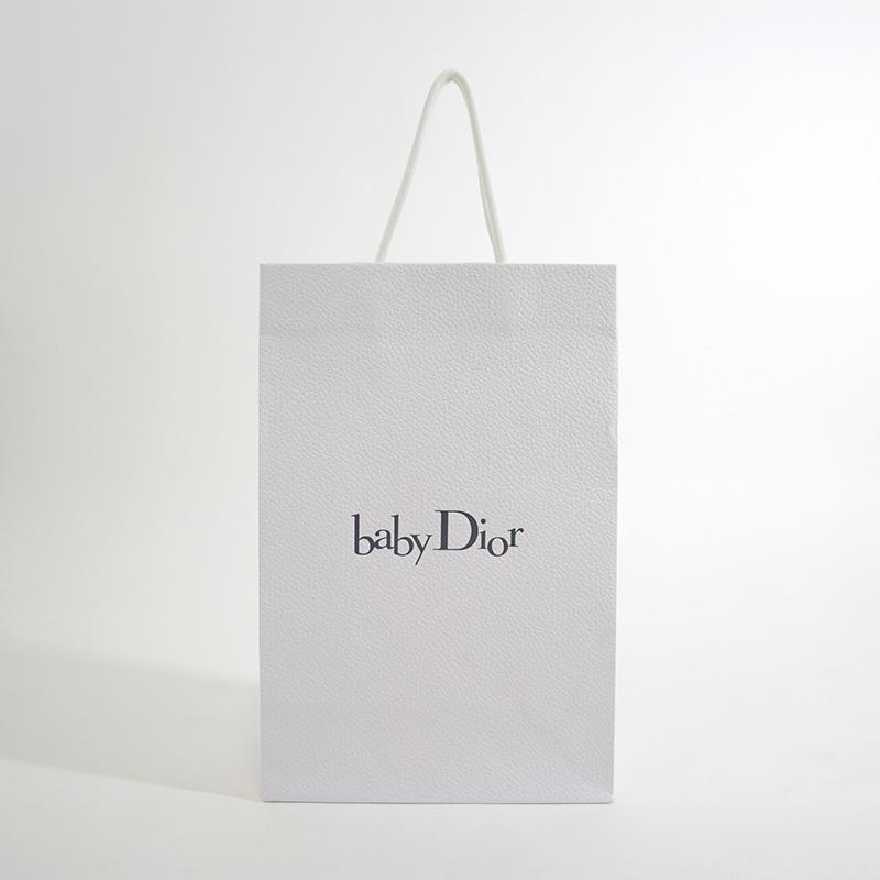 ハイブランドの子供向けラインの紙袋