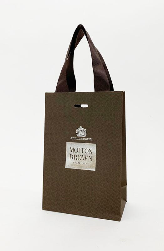 イギリスの気品が漂うブラウンの紙袋