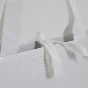 紙袋、光沢、エンボス加工