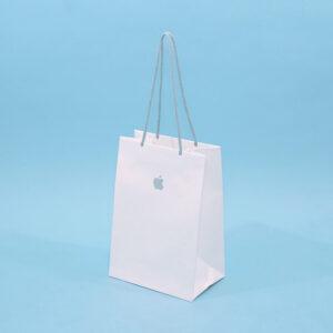 持ち手までリサイクルできる紙袋