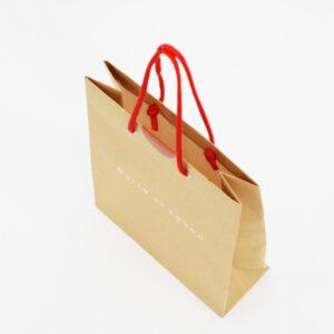 内面が白い紙袋