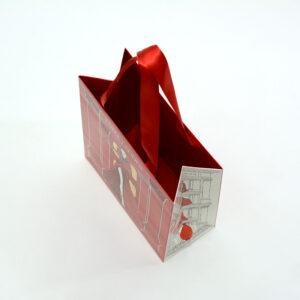 内面カラーの入った紙袋