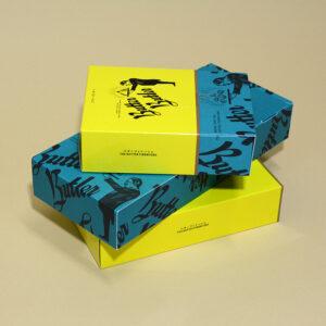 スライド式のお菓子箱