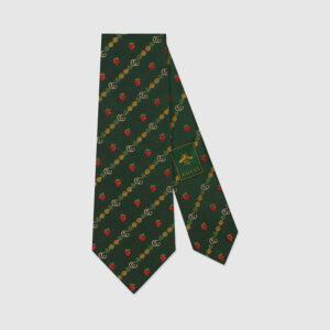 グリーンの柄ネクタイ