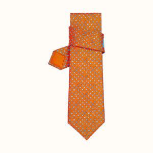 オレンジの柄ネクタイ