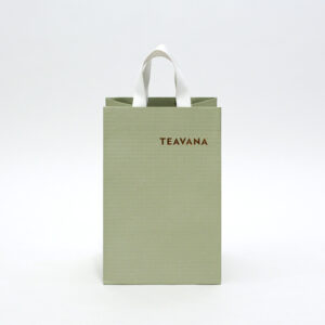 柔らかいグリーンでナチュラルな紙袋