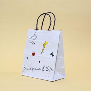 商品と合わせた雰囲気の紙袋