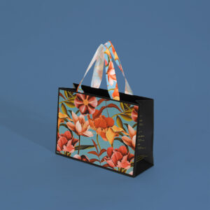 花柄の紙袋斜め