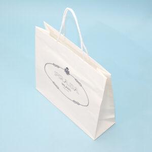 布芯入りの紐で持ちやすい紙袋