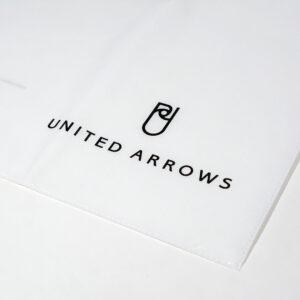 紙袋と同じデザインの不織布ラッピングバック