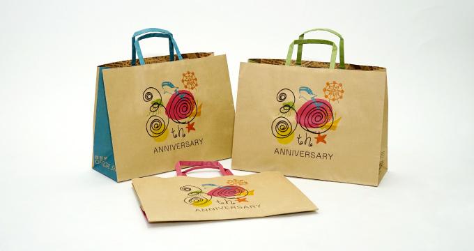 アニバーサリー仕様のオリジナル紙袋