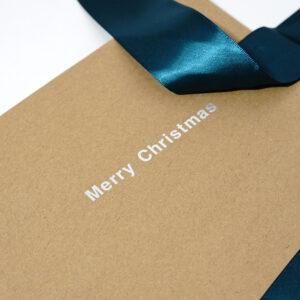 リボンで隠れたクリスマスの文字
