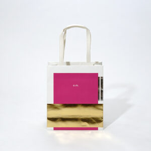 図形を重ねて配置した紙袋デザイン