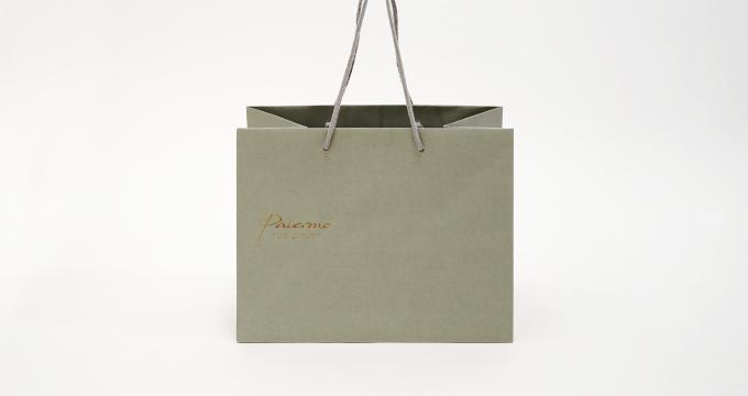 正面から見た紙袋のデザイン