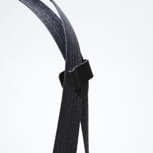 紙紐に付いた紙製のクリップ