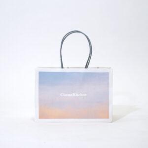 グラデーションデザインで可愛い紙袋