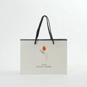 ロゴマークが可愛い紙袋