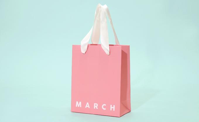 韓国コスメブランドをイメージした紙袋