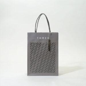 人気のグレーを使用した紙袋