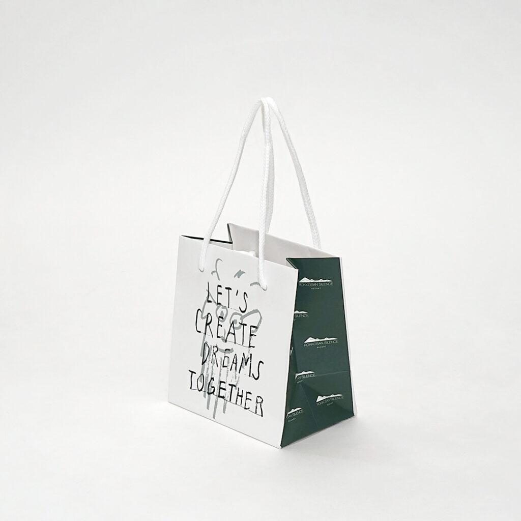 六甲山が思い浮かぶ紙袋1