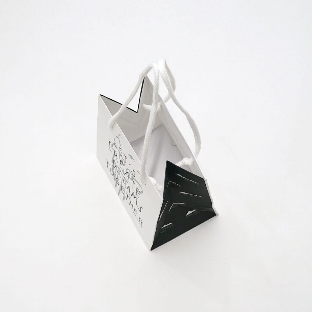 六甲山が思い浮かぶ紙袋3