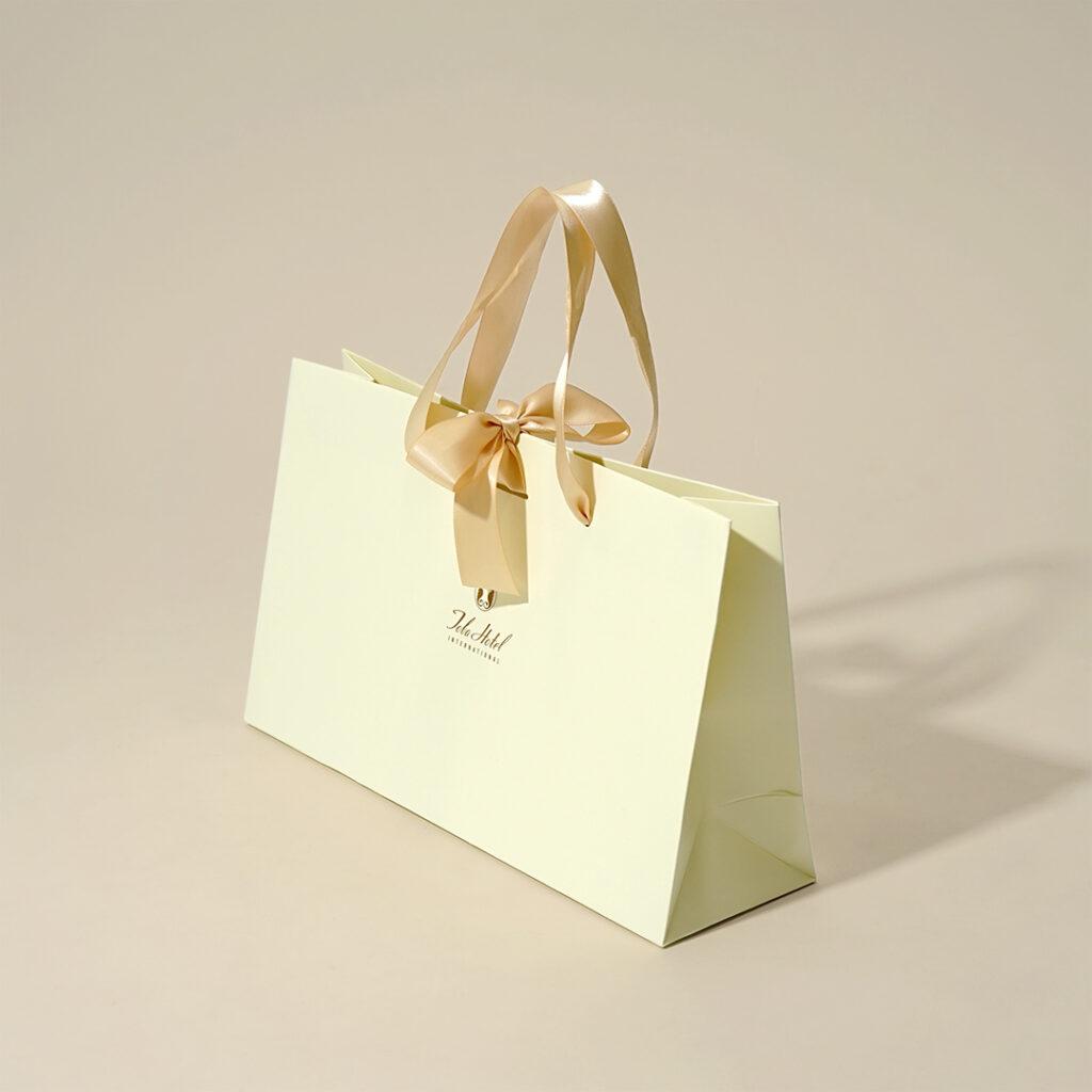 統一感が高級感を醸し出す紙袋4