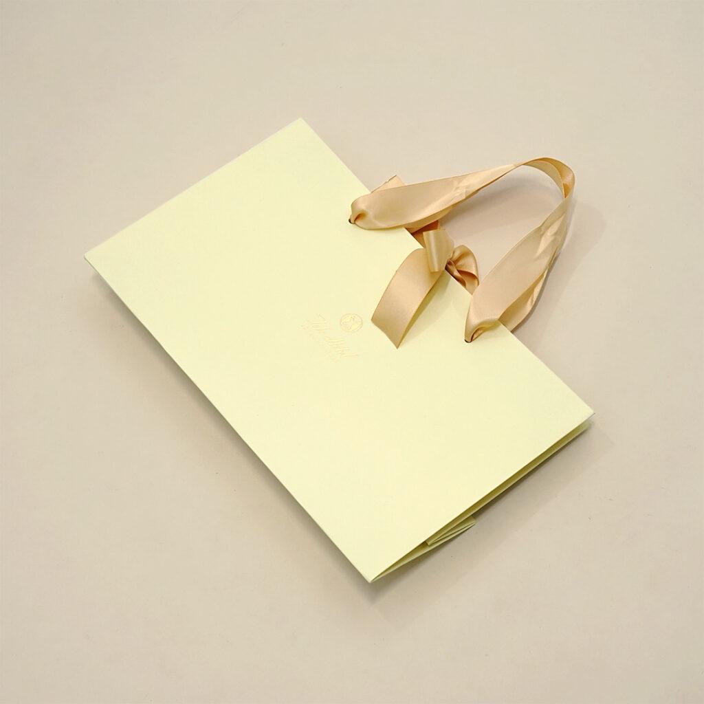 統一感が高級感を醸し出す紙袋6