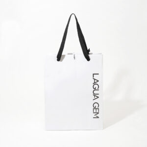 モノトーンでシンプルな紙袋
