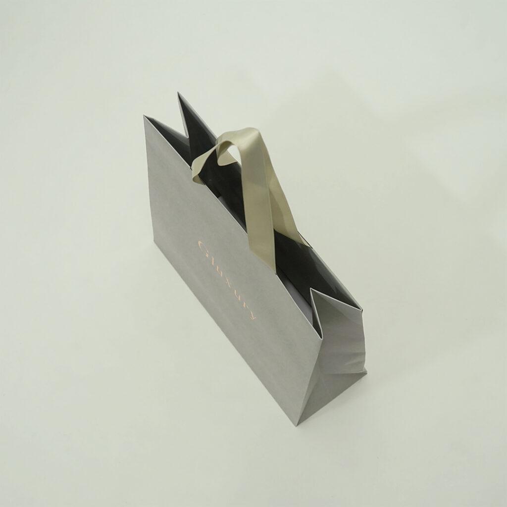 ヌーディーな紙袋3