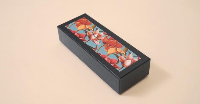 カラフルな印刷のデザインボックス