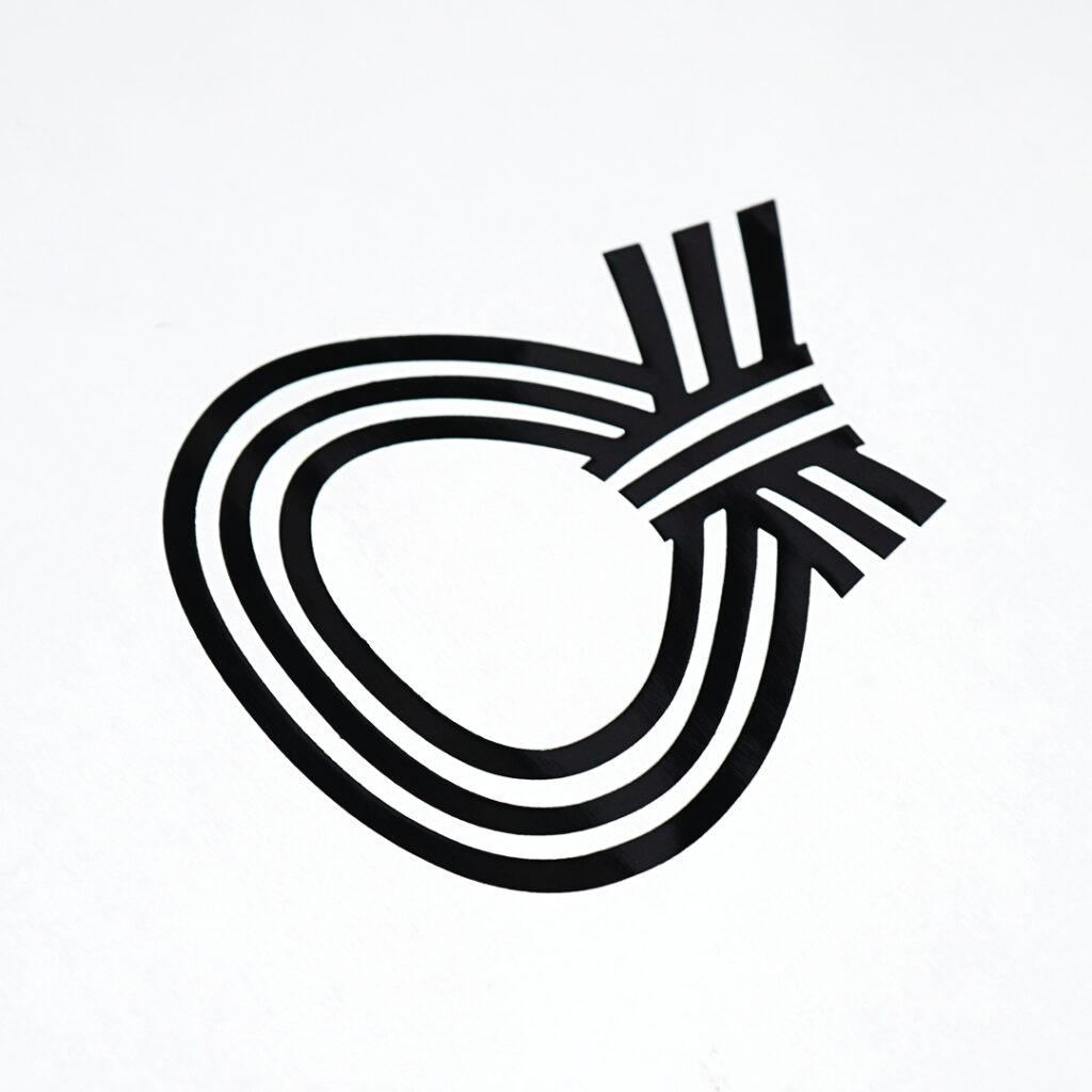 可愛らしいフォルムの浮き出しロゴ3